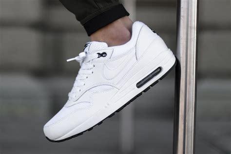 Nike Airmax One Black White nike air max 1 essential white black sbd