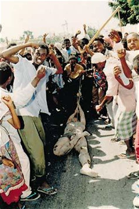 u.s soldier dragged through mogadishu – iconic photos
