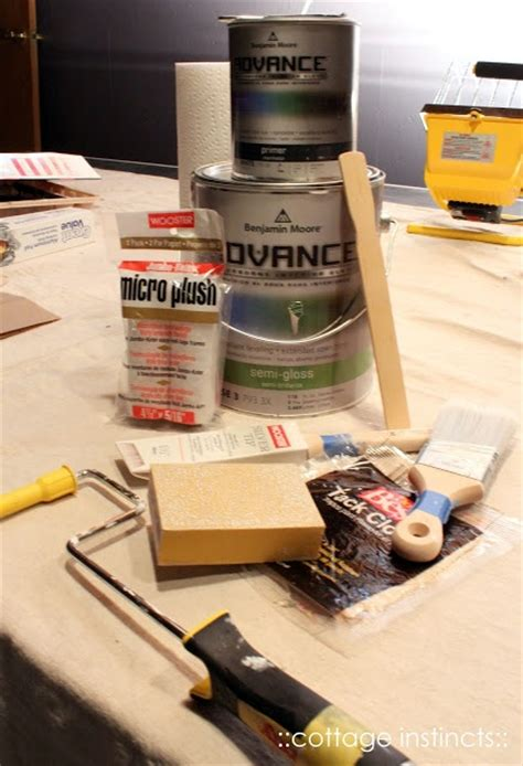 best primer for painting kitchen cabinets best primer and paints to use for furniture and cabinets can t wait to try this great by