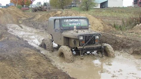 jeep mudding black jeep mudding at carsonville mud bog