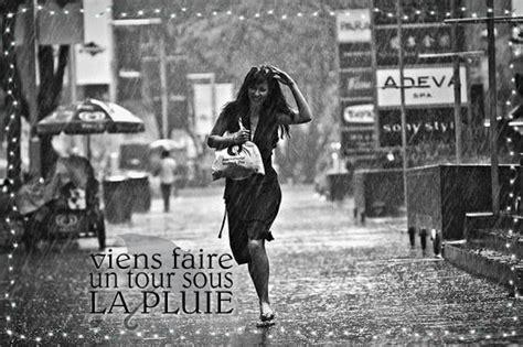 viens un tour sous la pluie