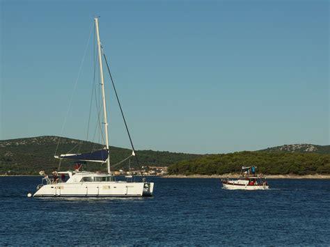 catamaran images catamaran sailing free stock photos libreshot