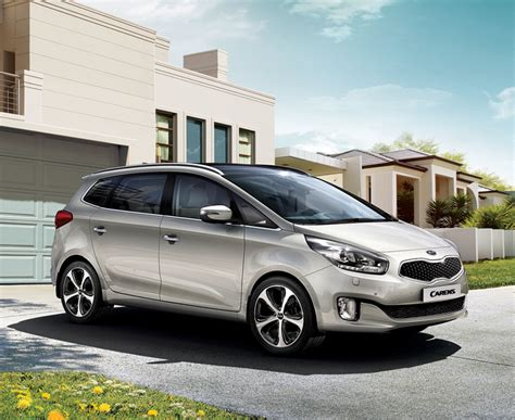 mpv car kia kia carens review auto express autocars