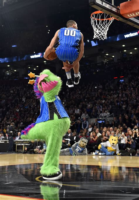 best slam dunk contest dunks the 2016 nba dunk contest in 7 astonishing photos