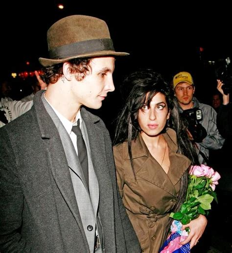 Winehouse And New Hubby In Spat by Incarcerated Fielder Civil Threatened To Divorce