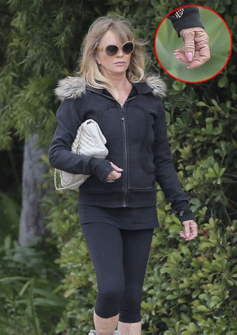 goldie hawn is how old goldie hawn shockingly old and withered hands contrast
