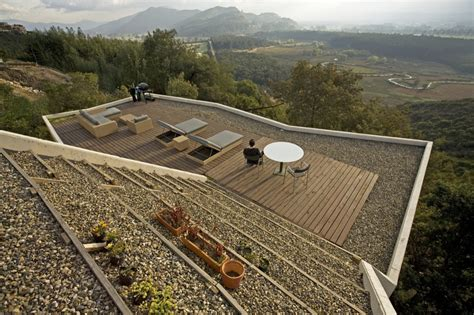 Flat Roof Deck Molecular Structure Modern House Geometrical Sloping Site