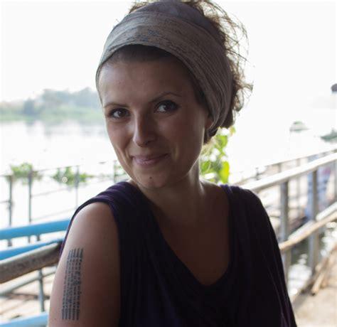 sak yant tattoo wie ich von einem buddhistischen m 246 nch