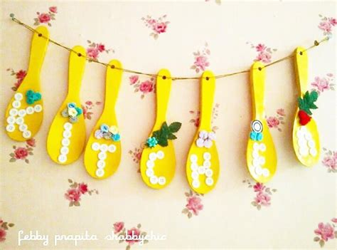 kerajinan tangan membuat hiasan natal kreasi hiasan dinding natal 41 model rak dinding