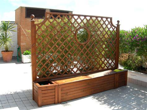 fioriere con grigliato fioriere con grigliato e cassapanca in legno metal tende