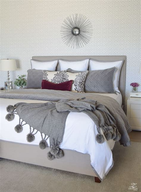 gray and burgundy bedroom 25 best ideas about maroon bedroom on pinterest