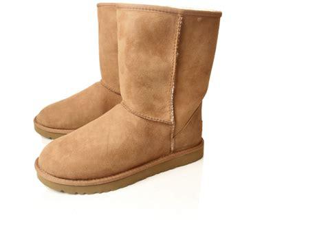 sheepskin boots mens ugg mens sheepskin boots