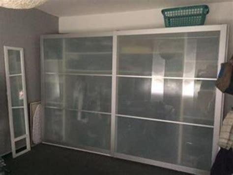 kleiderschrank 3m schiebetüren leiner schlafzimmer betten