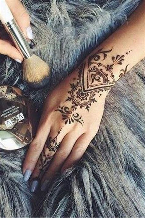 henna tattoo hand männer 632 best henna images on ideas