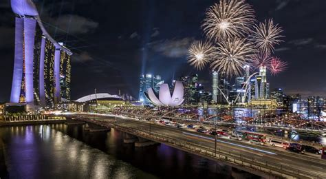 new year fireworks marina bay best locations to the new year s fireworks