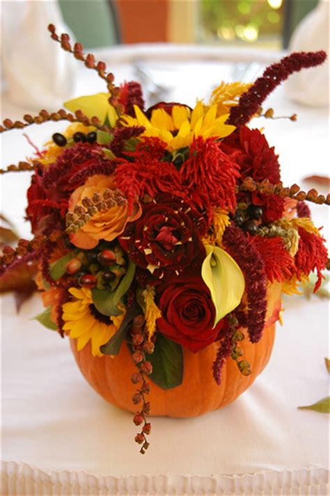 23 Diy Autumn Centerpieces Pumpkin With Flowers Centerpieces
