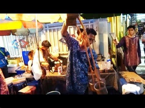 Teh Tarik Malaysia teh tarik teh tarik pulled tea malaysian milk