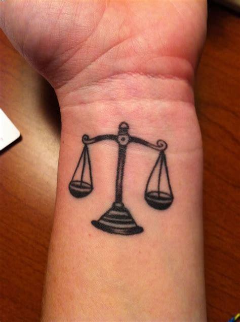 libra tattoos on wrist 20 mind blowing libra wrist tattoos