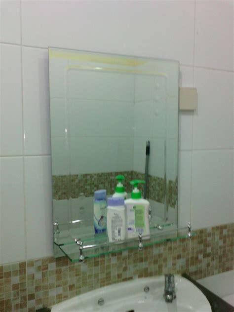 Cermin Kamar Mandi Toto jual kaca cermin rak sabun di atas wastafel kamar mandi