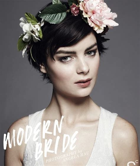 how to cut crown of hair with a lyered look short hair flower crown i do pinterest short hair