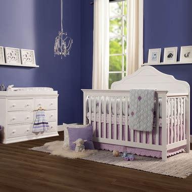 Davinci Nursery Furniture Sets Davinci Flora 2 Nursery Set 4 In 1 Convertible Crib And Signature 6 Drawer