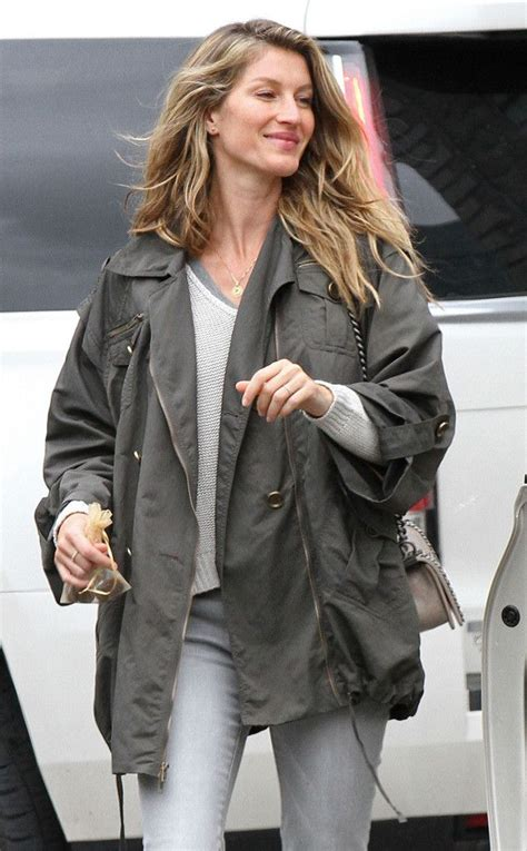 Gisele Does Casual Friday by 17 Best Ideas About Gisele Bundchen On