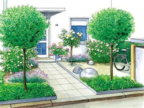 haus norden grömitz ein vorgarten wird zum gartenhof b 228 ume oder und