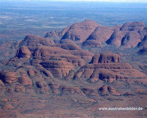 what pattern or shape is uluru australia s big three