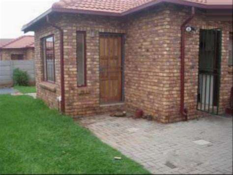 2 bedroom house to rent in pretoria 2 bedroom house for sale for sale in east lynne private
