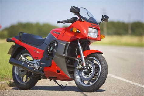 kawasaki s king of the road the gpz900r classic motorbikes