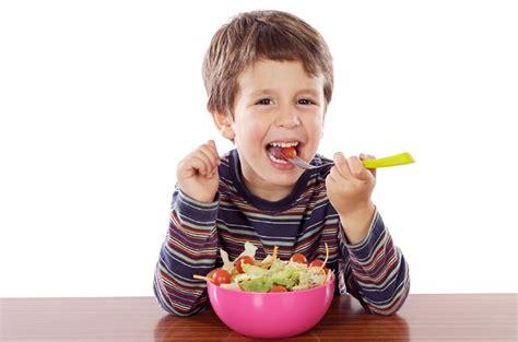 Imagenes De Niños Jugando Y Comiendo | 10 cenas r 225 pidas y saludables para ni 241 os maternidadfacil