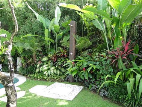 bali backyard ideas 25 best ideas about tropical pool landscaping on