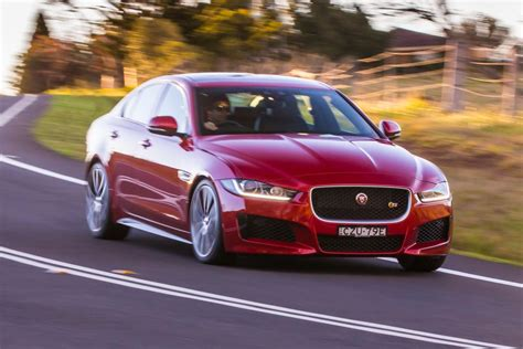jaguar xe s early interest in jag s xe flagship goauto
