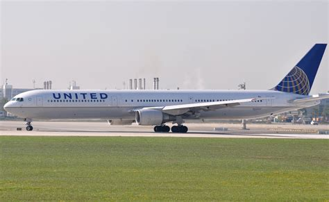 united airlines american airlines datei united airlines boeing 767 400 jpg wikipedia