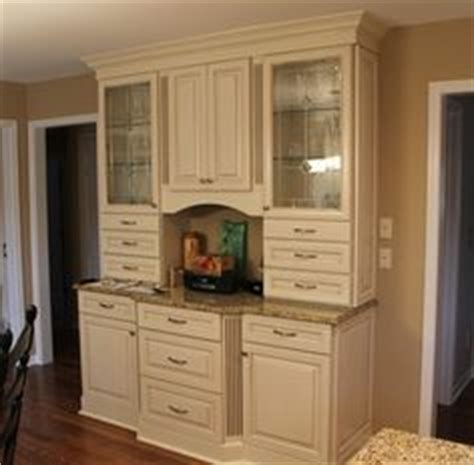Kurtis Cabinets by 1000 Images About Sell Home Granite Colors On