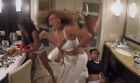 girl twerking in bathroom stream beyonce s new album platinum edtion 92 q
