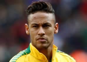 les coupes de cheveux improbables de neymar