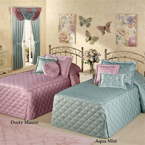 Fitted Quilted Bedspreads by Color Classics R Quilted Fitted Bedspreads