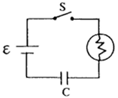 function of capacitor in flash capacitor circuits