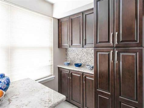 fabuwood hallmark chestnut kitchen cabinets elegant modern