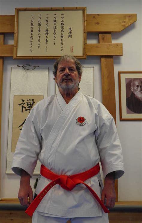 Imagenes Comicas De Karate | galones para un maestro del arte marcial deportes