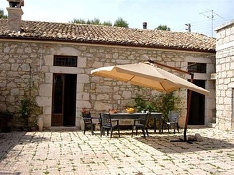 di casa in sicilia villa cagna sicilia ragusa ragusa casale benessere