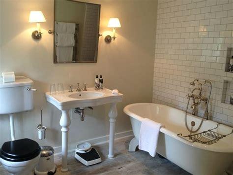 25th hour bathroom scene images de babington photos de vacances de babington