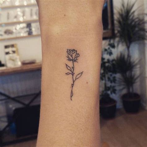 rose tattoo genre stickandpoketattoo a beautifully simple rose outline for