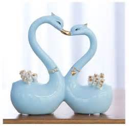 Decoration Pieces For Home Factory Kissing Happy Swan Ceramic Show Pieces For Home
