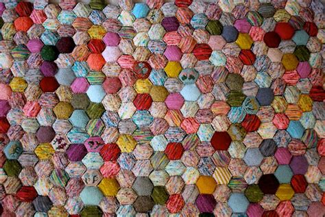 Bee Keeper Quilt by The Beekeeper S Quilt Get Your Hexipuff On Exchanging