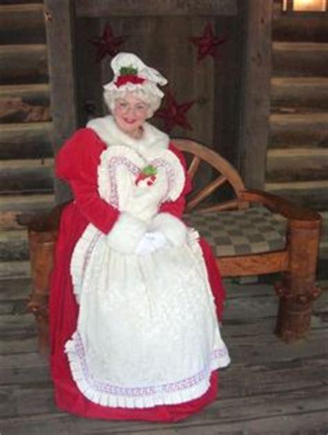 Mrs Claus Closet by 1000 Images About Santa Suit On Santa Suits