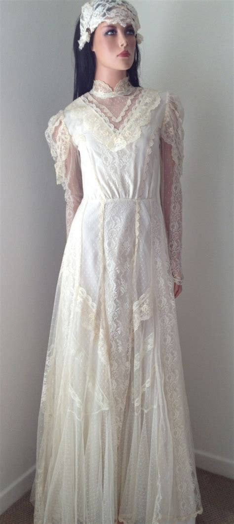 8 Stunning Vintage Dresses by Vintage Wedding Dress Stunning Lace Wedding Gown