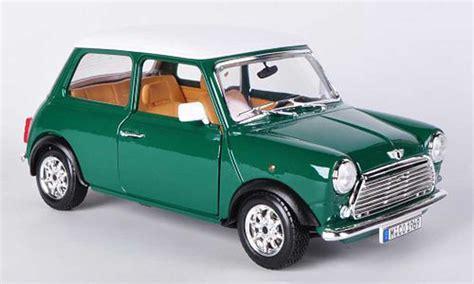 Diecast Miniatur Mobil Morris Mini Cooper 1275s Mk 1 Mokit Green mini cooper green white 1 16 1969 burago diecast