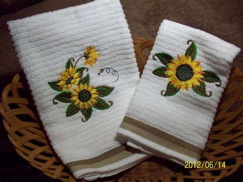 Sunflower Kitchen Towels by 17 Best Images About Home Sunflower Kitchen On
